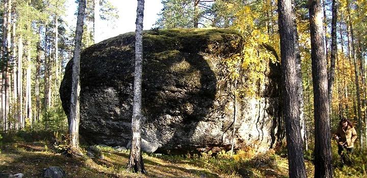 Тикшинский камень.