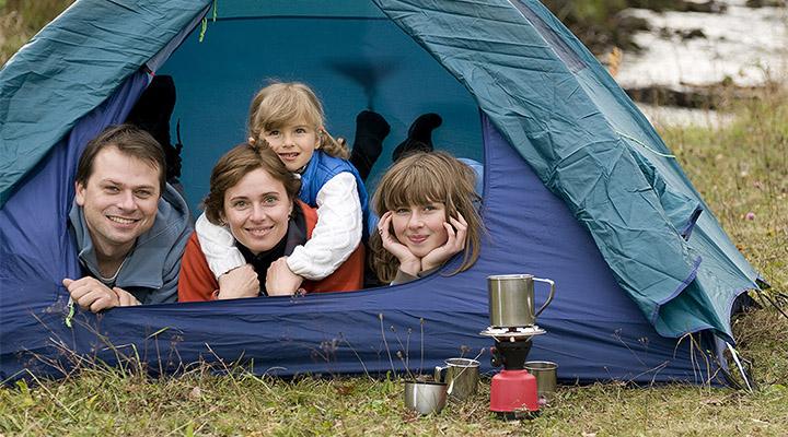 Походы с детьми – самый лучший и доступный способ объединения семьи.