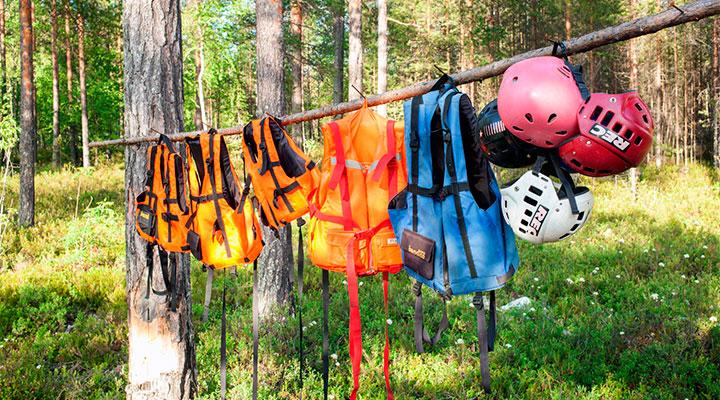Спасжилет и каска – главная одежда путешественника