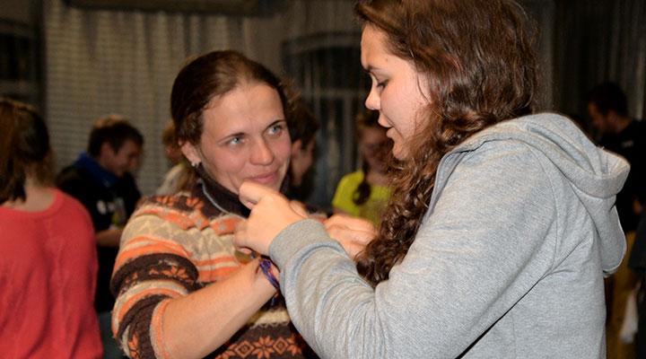 На прощанье – «обнимашка» на руку любимому инструктору и слова благодарности.