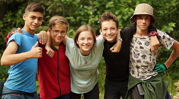 Московские дети из льготных категорий получат бесплатные летние путевки.