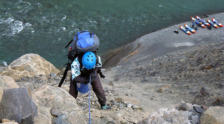 Штурм скалы для туриста-водника, мягко говоря, в диковинку.