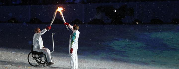 Рик Хансен открывает Олимпиаду в Ванкувере