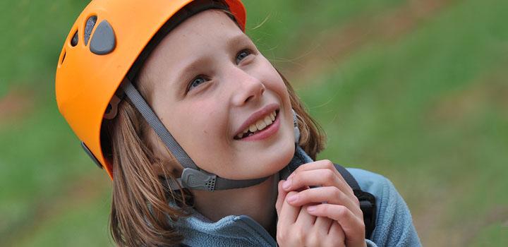 От скалолазания дети получают особенно много и проку, и удовольствия.