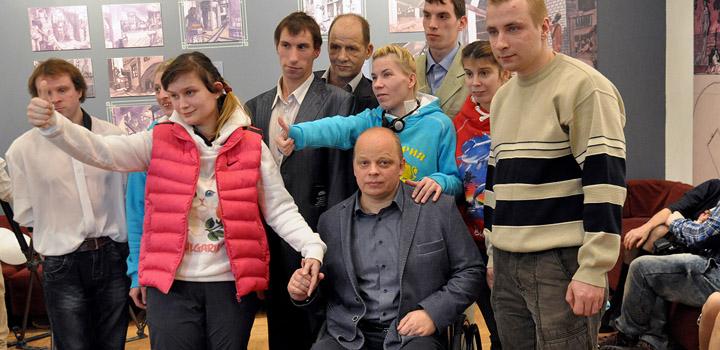 Депутат Владимир Крупенников и гости вечера.
