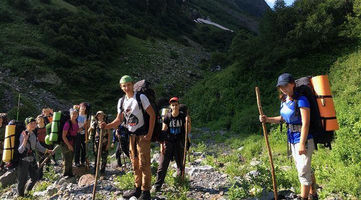 Надежный альпеншток необходим туристу, как собственная ложка!