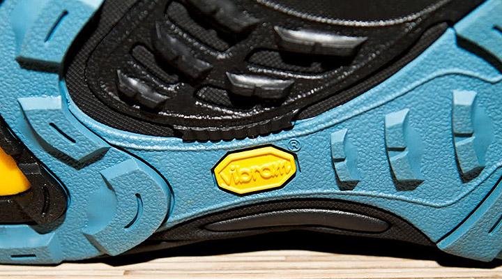 В СССР «вибрамами» было принято называть любые туристские и альпинистские ботинки с рифленой подошвой.
