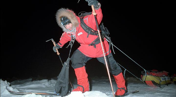 Когда не просто холодно, а холодно экстремально – спасут большие варежки.