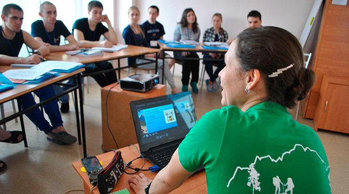 Курс подготовки инструктора занимает 411 учебных часов.