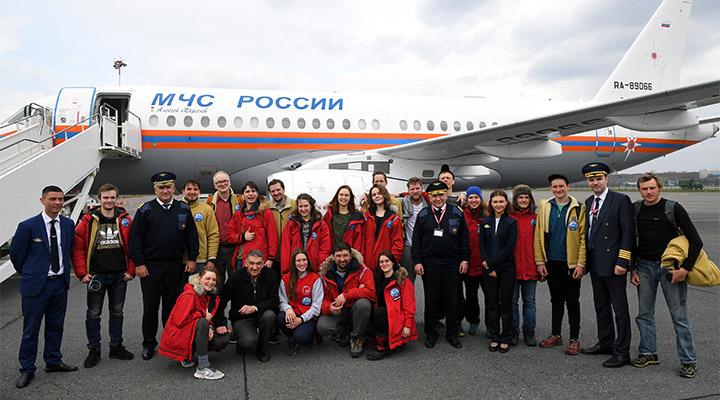 Ведомственный «Сухой Суперджет 100» доставил участников экспедиции в Москву