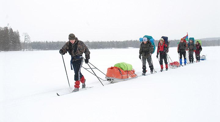 Под лыжами будущих полярников лед пока не дрейфующий, а озерный.