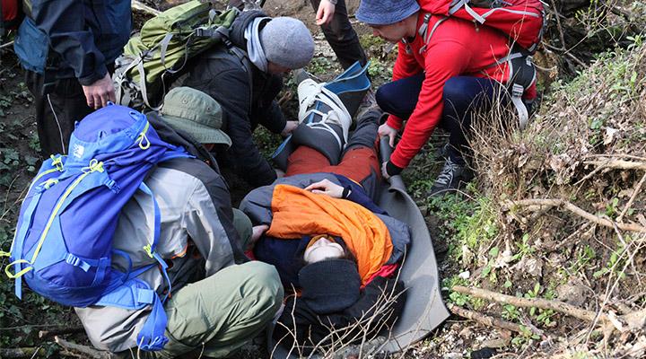Практические занятия по спасательным работам.