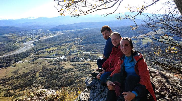 Инструкторы на вершине Кизинчи.